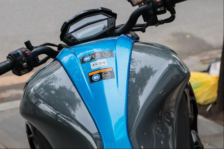 Kawasaki Z1000 2018 tai Viet Nam gia gan 400 trieu dong-Hinh-3