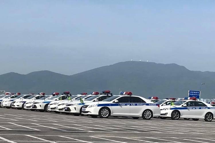 """""""Soi"""" dan oto va xe may phuc vu APEC tai Da Nang-Hinh-2"""
