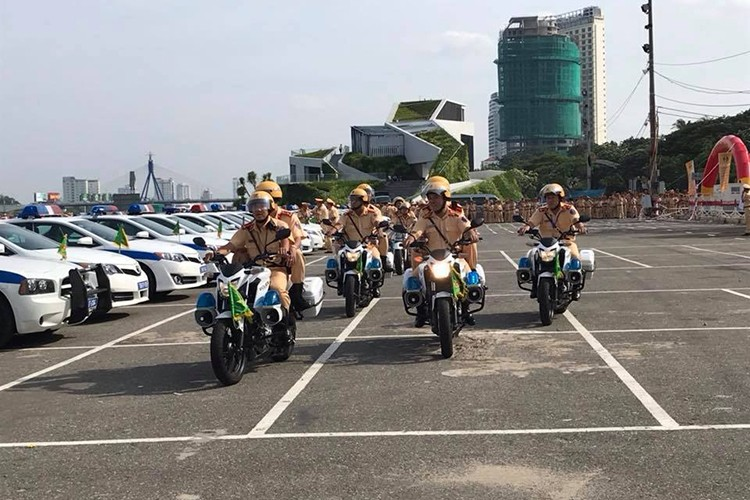 """""""Soi"""" dan oto va xe may phuc vu APEC tai Da Nang-Hinh-6"""