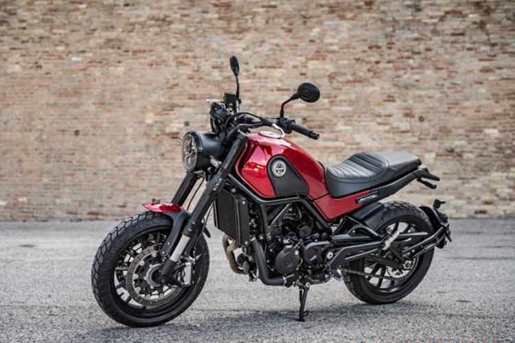 """Moto Benelli Leoncino Scrambler """"chot gia"""" 160 trieu dong"""