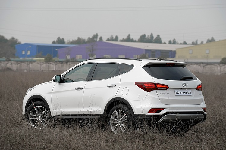 Giam 230 trieu, Hyundai SantaFe la xe 7 cho re nhat VN-Hinh-5