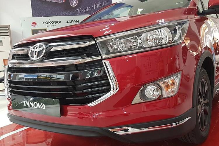 Can canh Toyota Innova Venture gia 855 trieu tai VN-Hinh-2