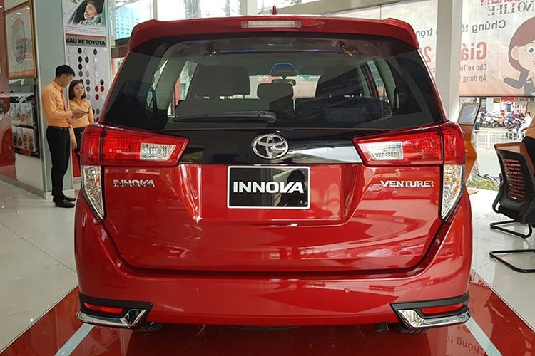 Can canh Toyota Innova Venture gia 855 trieu tai VN-Hinh-3