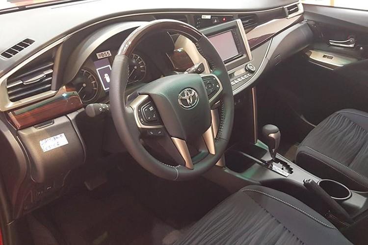 Can canh Toyota Innova Venture gia 855 trieu tai VN-Hinh-6