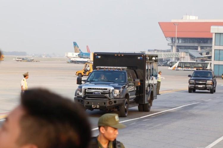 Sieu xe Cadillac One don Tong thong Donald Trump tai Ha Noi-Hinh-6