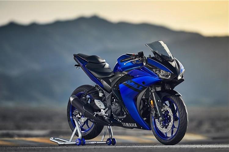 "Moto Yamaha YZF-R3 2018 trinh lang, ""chot gia"" 113 trieu"