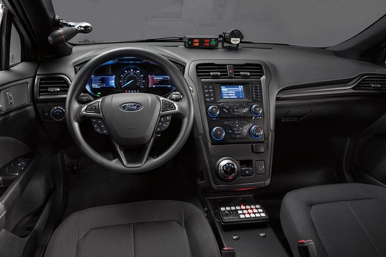 """Soi"" sedan Ford Plug-in Hybrid danh rieng cho canh sat-Hinh-5"