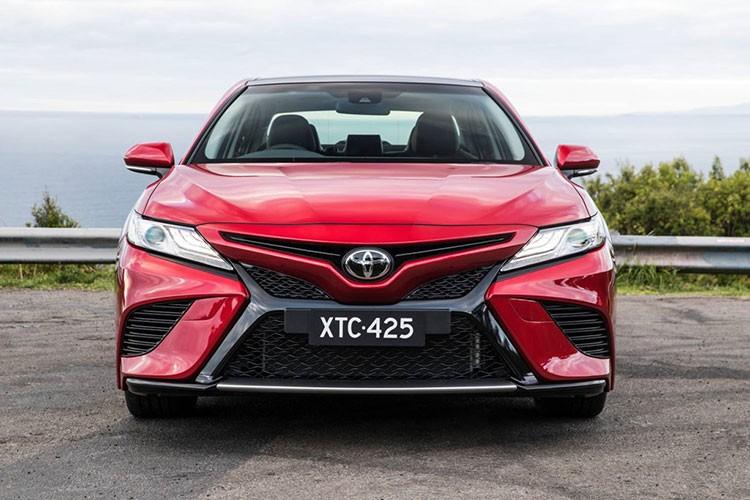 Toyota Camry 2018 ra mat tai Australia gia 628 trieu dong-Hinh-4