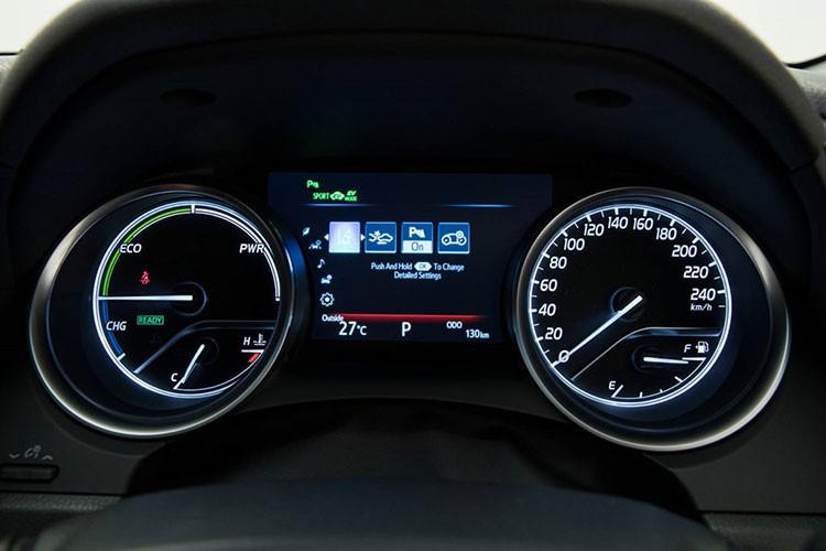 Toyota Camry 2018 ra mat tai Australia gia 628 trieu dong-Hinh-9