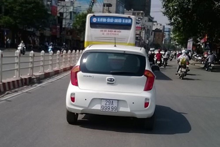 "Toyota Vios mang bien ""ngu quy 9"" tai Ha Noi-Hinh-5"