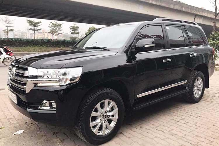 """""""Soi"""" Toyota Land Cruiser XV 2016 gần 4 tỷ tại Hà Nội"""
