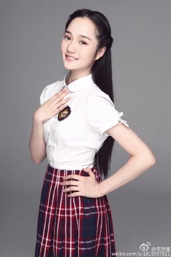 Tan Hoa khoi HV San khau dep trong sang den xao long-Hinh-2