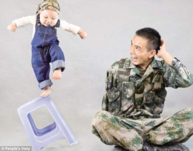 Xuc dong binh si lan dau gap con trai 9 thang tuoi-Hinh-3