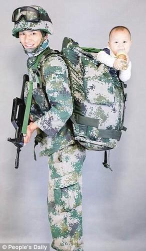 Xuc dong binh si lan dau gap con trai 9 thang tuoi-Hinh-6
