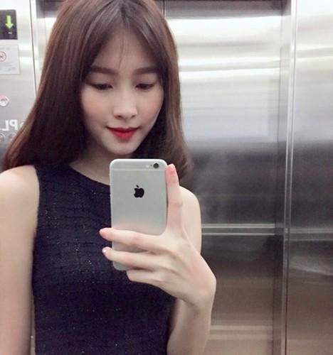 Soi dien thoai bo ket cua Hoa hau Viet Nam-Hinh-7