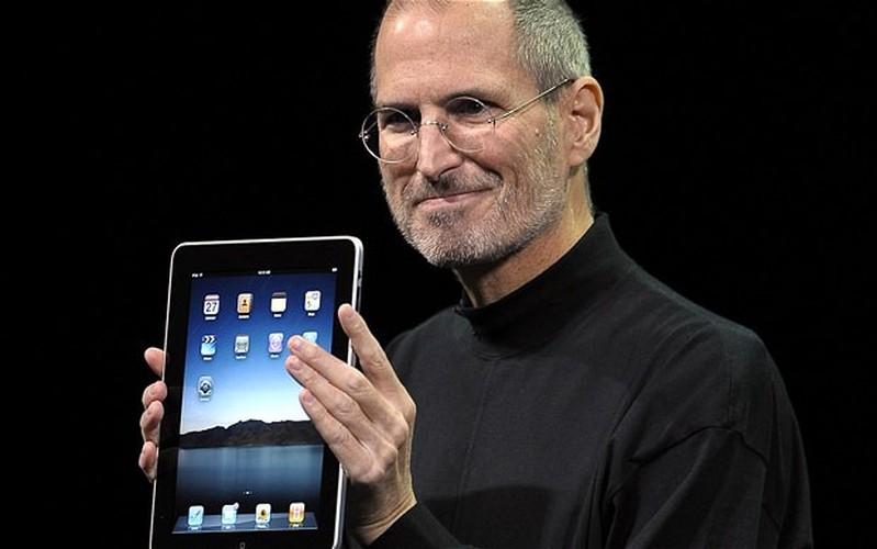 Nhin lai chiec iPad the he dau tien cua Apple