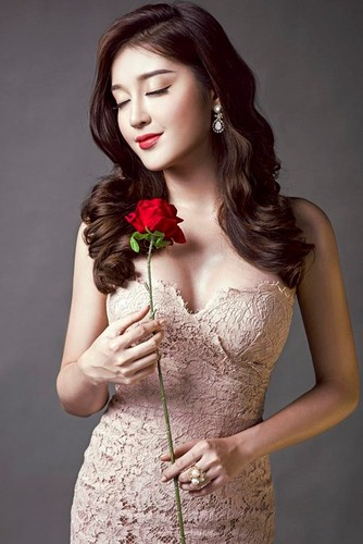 """A hau Huyen My than """"sat nghiep"""" vi sam nhan bac ty-Hinh-9"""