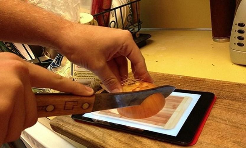 "Cuoi lan lon cach dung iPad ""ba dao"" nhat qua dat-Hinh-7"