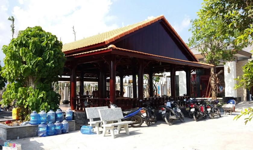 Ben trong khu biet thu xay trai phep cua TGD o Soc Trang-Hinh-13