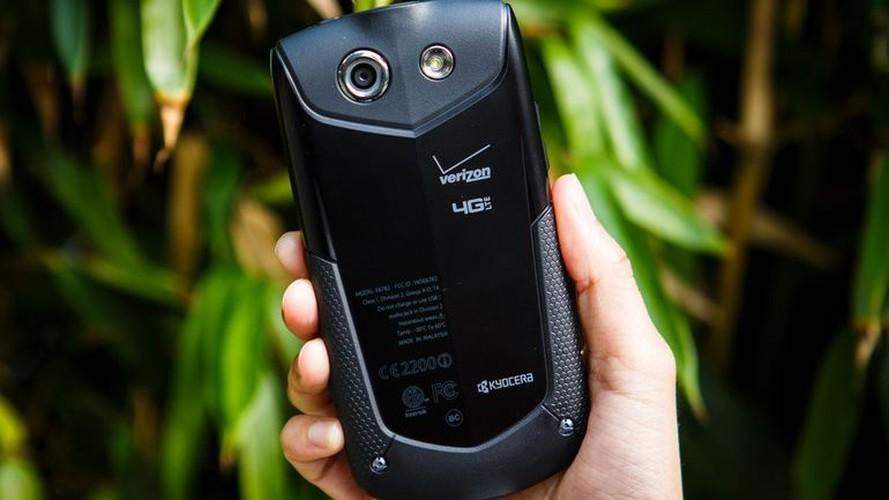 3 smartphone so huu kinh sapphire sieu ben-Hinh-7