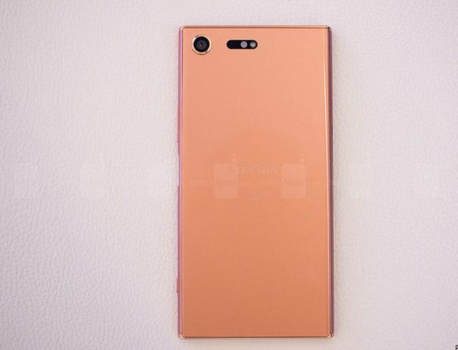 Chiem nguong Sony Xperia XZ Premium mau hong vang-Hinh-5