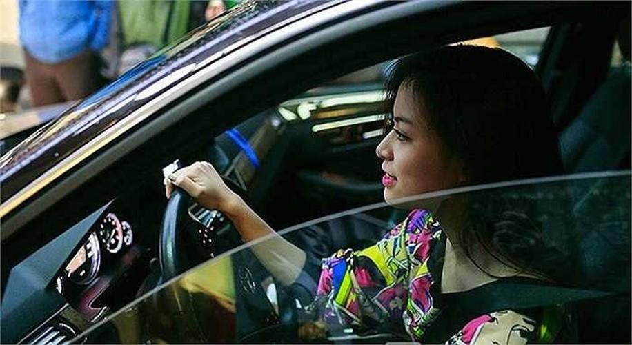 Khong ngo Hoang Thuy Linh giau khong kem bat ky dai gia nao-Hinh-2