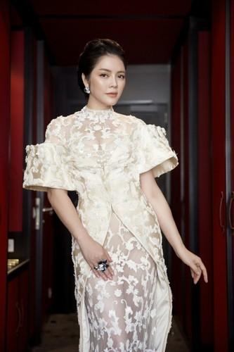 Boc gia trang suc kim cuong cua Ly Nha Ky tai Cannes 2017-Hinh-2