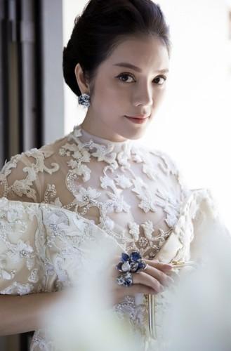 Boc gia trang suc kim cuong cua Ly Nha Ky tai Cannes 2017-Hinh-3