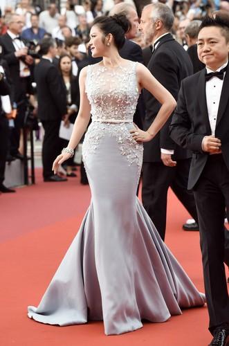 Boc gia trang suc kim cuong cua Ly Nha Ky tai Cannes 2017-Hinh-5