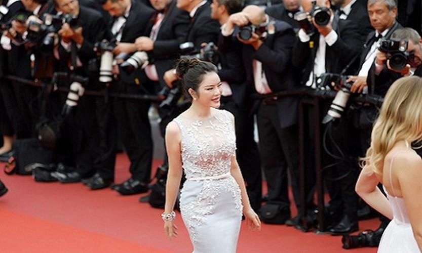 Boc gia trang suc kim cuong cua Ly Nha Ky tai Cannes 2017-Hinh-6