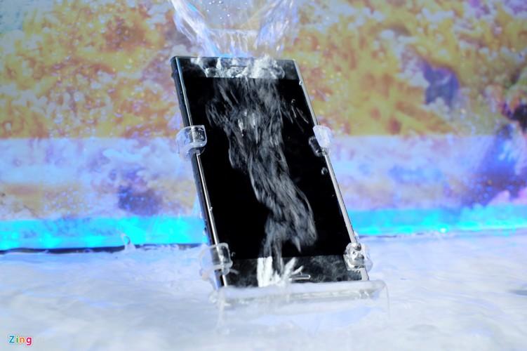 Sony Xperia XZ Premium ra mat tai VN voi gia 18,5 trieu-Hinh-8