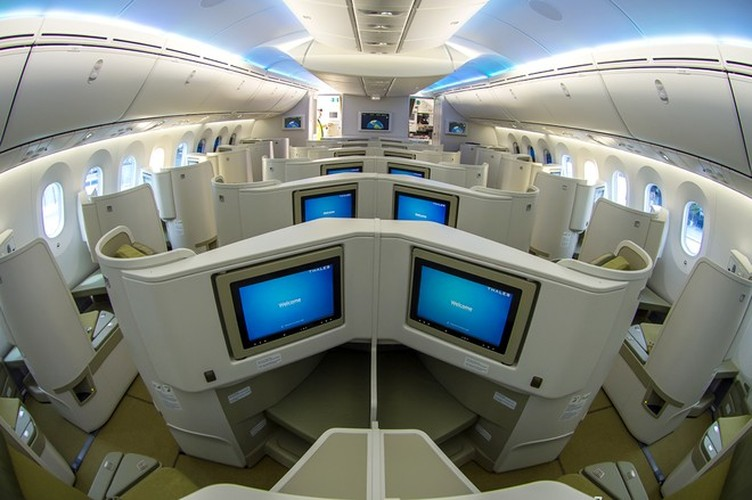May bay Vietnam Airlines sap mua co gi doc?-Hinh-14