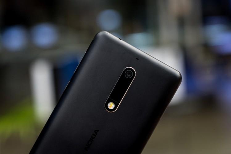 Nokia 5: Smartphone gia re, vua len ke da khan hang-Hinh-11