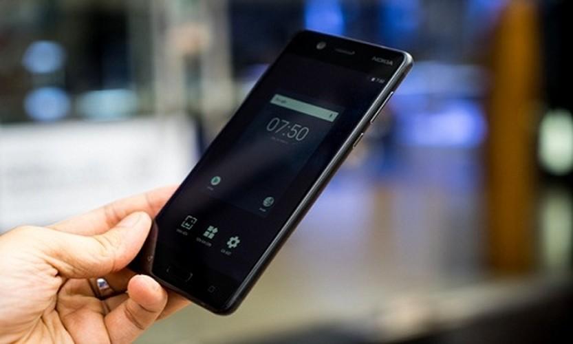 Nokia 5: Smartphone gia re, vua len ke da khan hang-Hinh-4