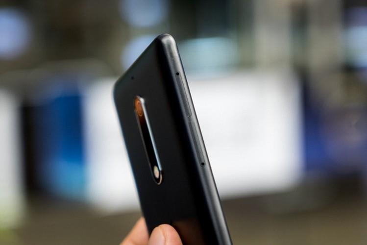 Nokia 5: Smartphone gia re, vua len ke da khan hang-Hinh-7