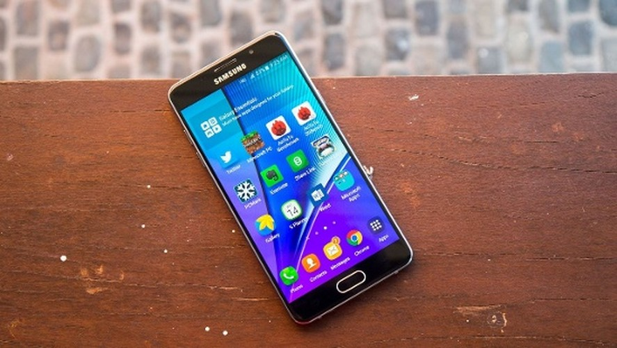 Ngang gia, Galaxy J7 Pro co gi khac so voi Galaxy A5 2016?-Hinh-11