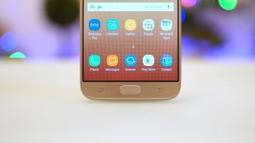 Ngang gia, Galaxy J7 Pro co gi khac so voi Galaxy A5 2016?-Hinh-4