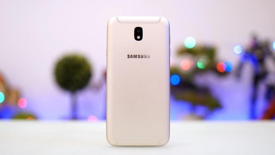 Ngang gia, Galaxy J7 Pro co gi khac so voi Galaxy A5 2016?-Hinh-7