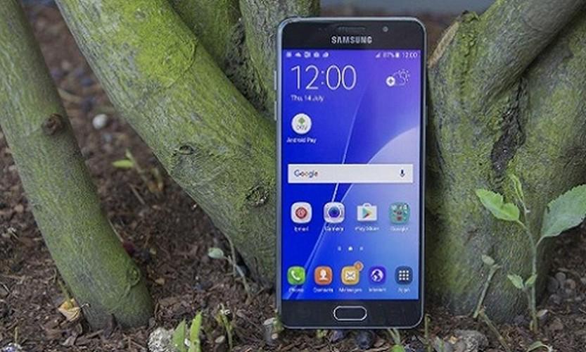 Ngang gia, Galaxy J7 Pro co gi khac so voi Galaxy A5 2016?