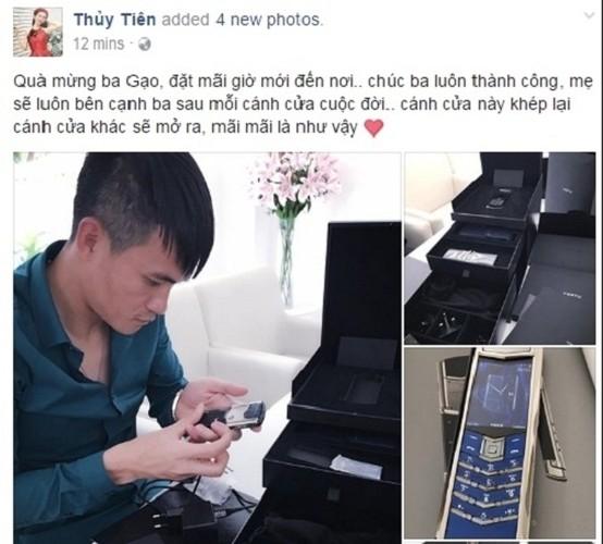 Choang vang dien thoai Vertu sieu dat cua dai gia Viet-Hinh-9