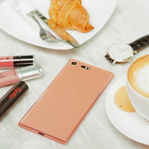 Can canh Xperia XZ Premium phien ban mau hong-Hinh-5