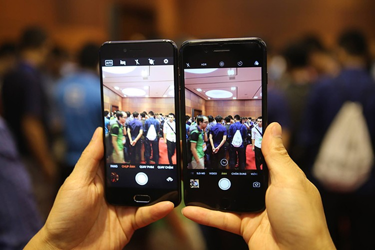 Anh: Bphone 2017 lep ve the nao khi dung canh iPhone 7 Plus?-Hinh-7