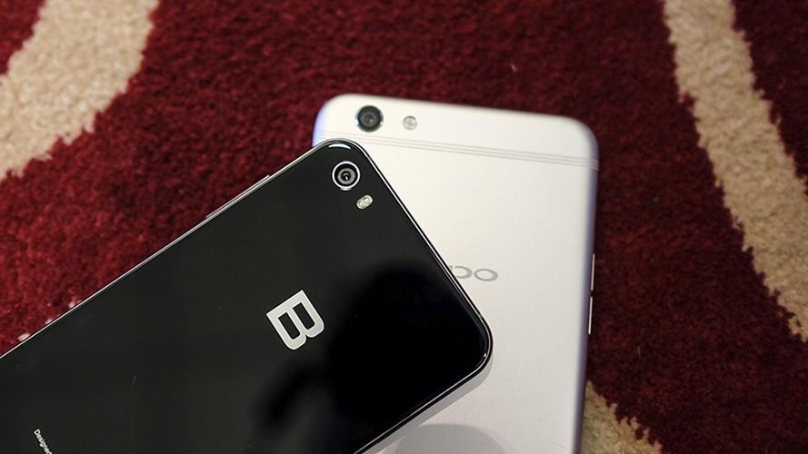 Do suc Bphone 2017 cung doi thu dong gia Oppo F3 Plus-Hinh-8