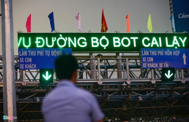 Anh: Hang nghin oto ne tram thu phi Cai Lay-Hinh-13