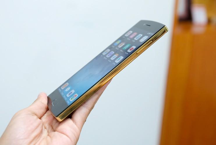 Bphone 2017 ma vang do cau hinh voi Samsung Galaxy S8-Hinh-3