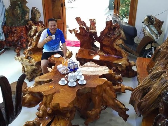 Choang vang nhung bo ban ghe nghin tuoi trong nha dai gia Viet-Hinh-6