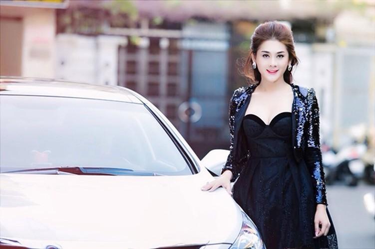 My nhan chuyen gioi Lam Khanh Chi giau co nao?-Hinh-12