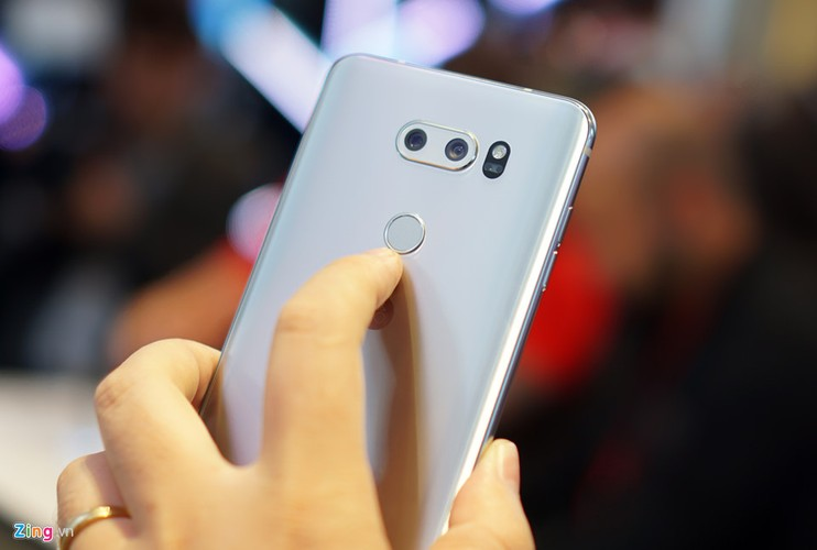 Anh thuc te LG V30: Dinh cao cua dien thoai Android-Hinh-6