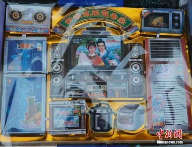 "Xem nguoi Trung Quoc sam hang ""kich doc"" cung ram thang 7-Hinh-8"