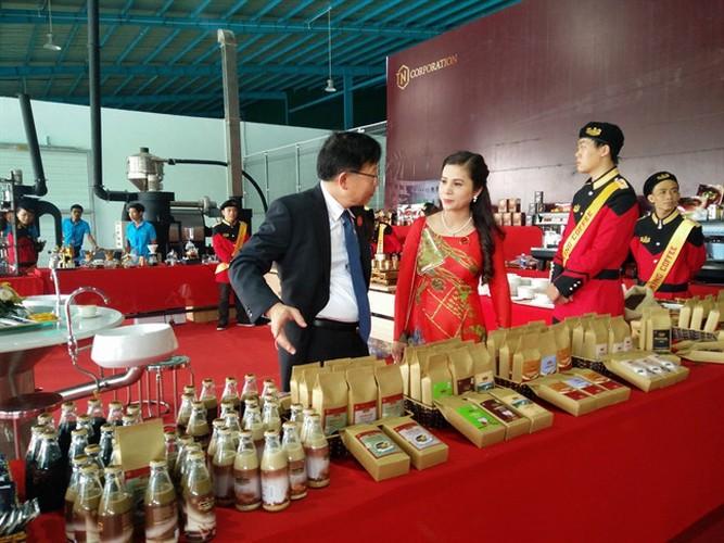 Chan dung nguoi vo kin tieng cua dai gia Dang Le Nguyen Vu-Hinh-7